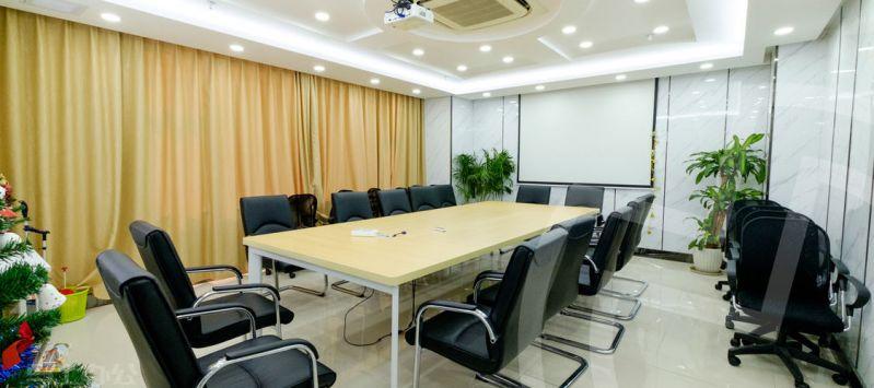 创富港众创空间会议室图片