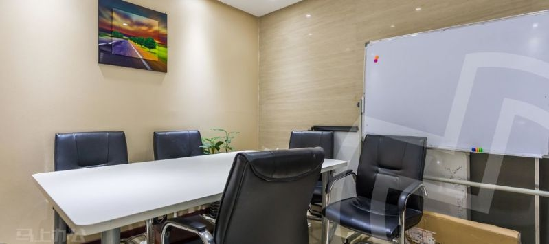 创富港(万达广场)众创空间办公室照片