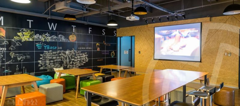 YBase(金领之都)众创空间办公室照片