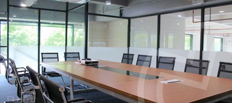 盘古创业张江基地共享办公会议室照片